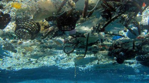 ap_garbage_oceans_2_hb_180323_hpmain_16x9_992
