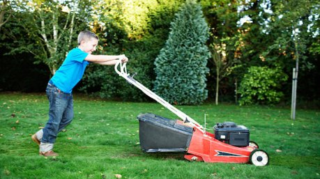 boy_mowing_lawn